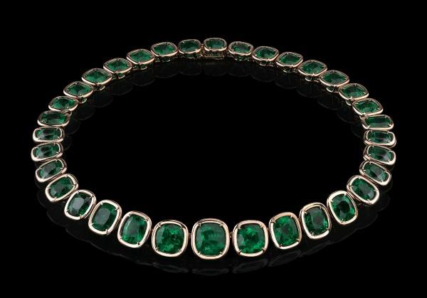 Magnifique collier en émeraude Style of Jolie