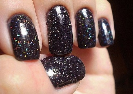 le vernis pour avoir des diamants noirs sur vos ongles. Black Bedroom Furniture Sets. Home Design Ideas