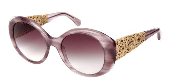 35bffe85ee767a Vous retrouverez ces lunettes dans toutes les boutiques Chanel à partir de  novembre 2012.