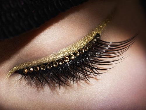 Faux cils et eye,liner or de la collection Grand Bal Dior