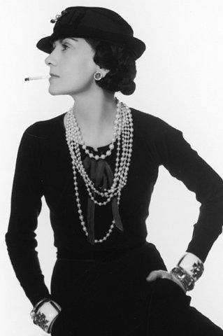 Chanel   la femme qui révolutionna la mode 7fbc84a793b