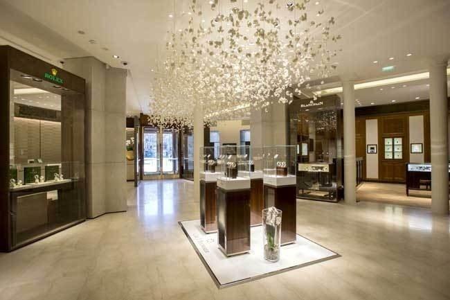 bucherer paris le plus grand magasin de montre a ouvert paris. Black Bedroom Furniture Sets. Home Design Ideas