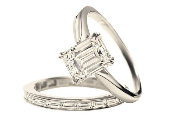 Bague Winston sertie d'un diamant taille émeraude