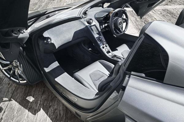 McLaren cockpit 650S MSO 2014