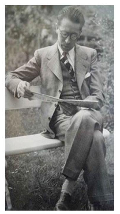 René Sim Lacaze en pleine lecture