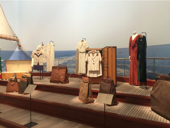 Collection Streamer Bag Louis Vuitton