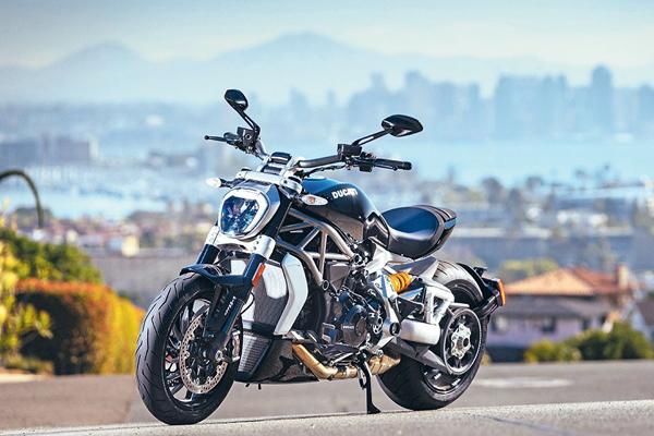 Ducati Diavel Modèle X Série S