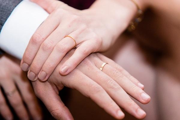revendeur correspondant en couleur nouveau sommet Quels styles d'alliances choisir pour son mariage ...