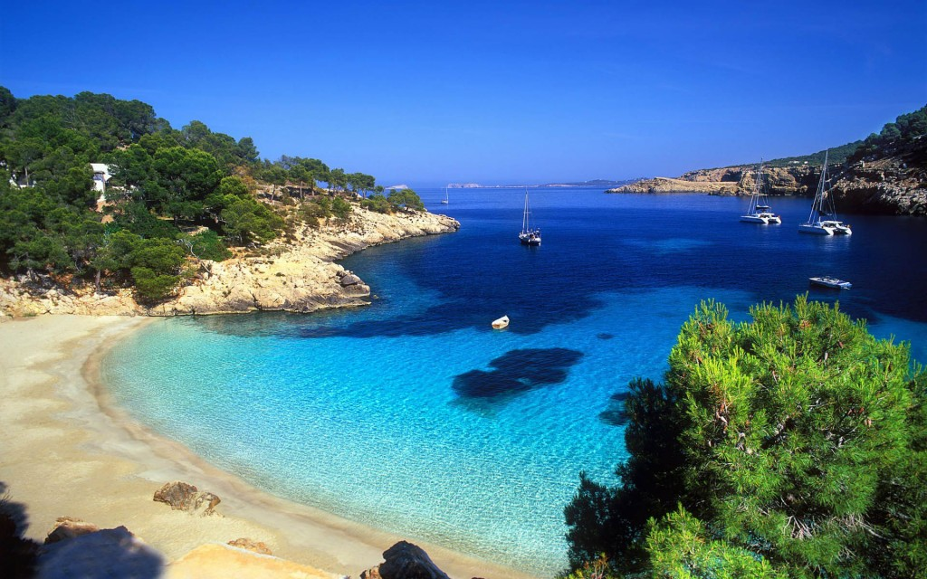 Cala_Salada_Ibiza_Spain_Wallpaper