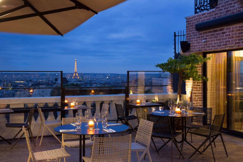 265744-ouverture-du-bar-a-cocktails-sur-le-rooftop-du-terrasshotel-3