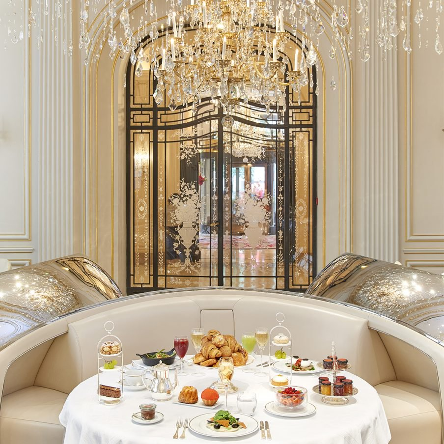 paris-plaza-athenee-brunch-1-904x904