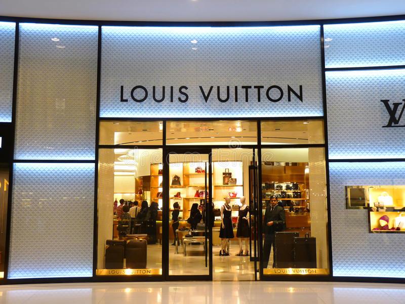 louis-vuitton-façonnent-la-boutique-17316163